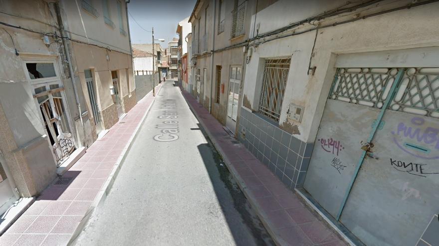 Detienen a un hombre en Murcia por encerrar y amenazar de muerte durante meses  a su mujer y a su hija