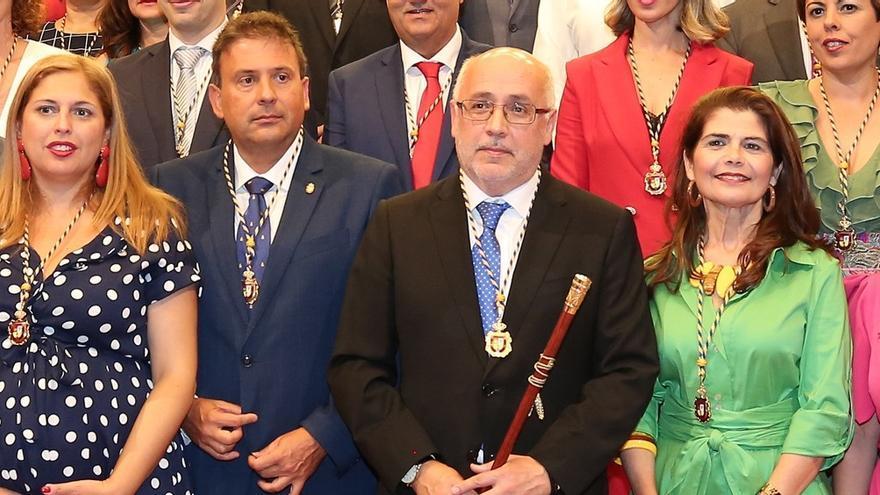 Los socialistas Isabel Mena y Luis Ibarra junto a Antonio Morales e Inés Miranda (Nueva Canarias)