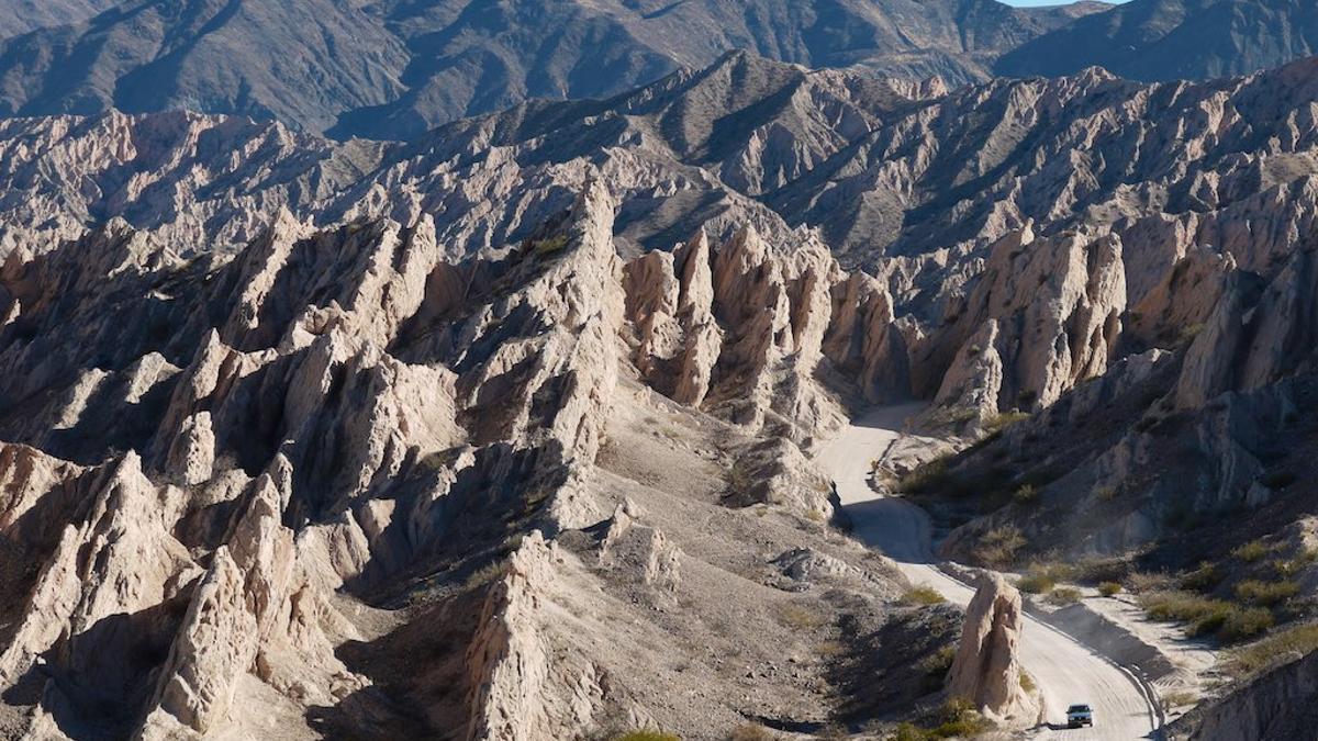 La espectacular Quebrada de Las Conchas, una de las joyas de la Ruta 40 argentina.