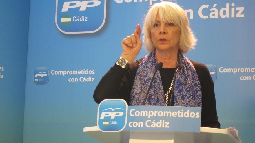 """Teófila Martínez dice que a la Junta """"le tenía que dar vergüenza"""" la situación de la vivienda en Cádiz"""