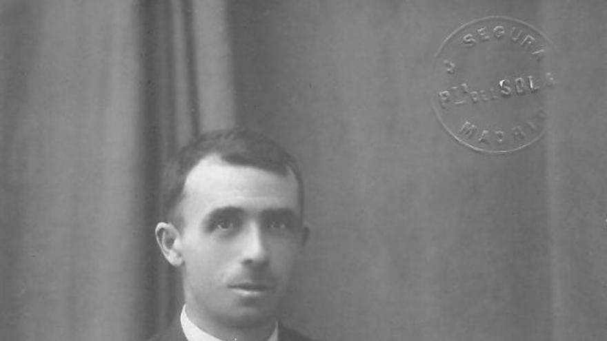Bruno Alonso nació en Siete Villas en 1887. Con solo 17 años fue elegido presidente de la Sociedad de Metalúrgicos de Santander. Durante los siguientes 20 años se convertiría en el principal líder del movimiento obrero en Cantabria.