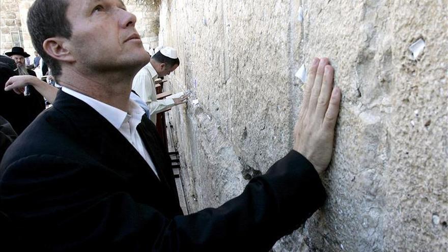 El alcalde de Jerusalén reduce y detiene a un atacante palestino