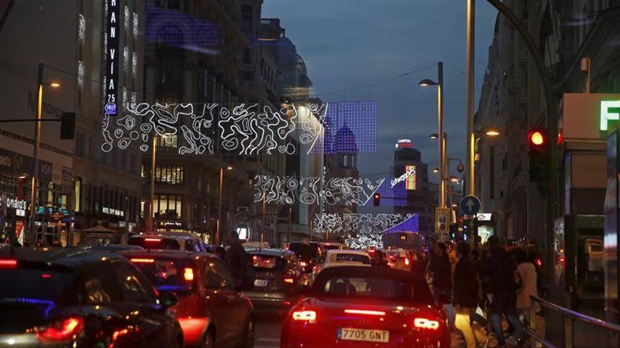 El Ayuntamiento cierra el centro de Madrid al vehículo privado por Navidad