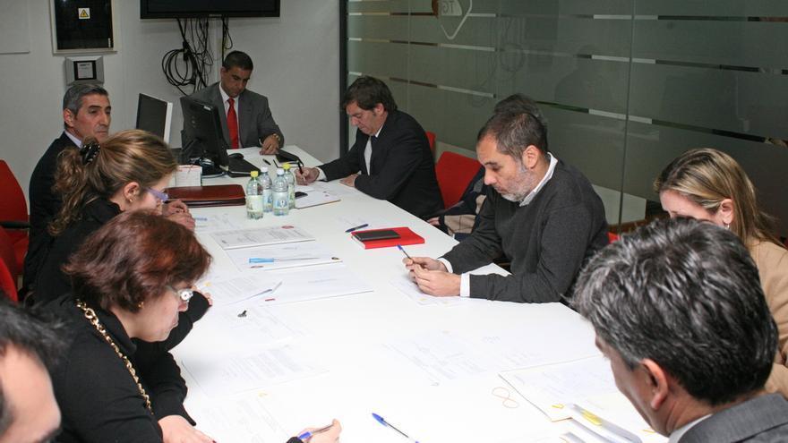 La mesa de contratación de la Autoridad Única del Transporte. (ALEJANDRO RAMOS)