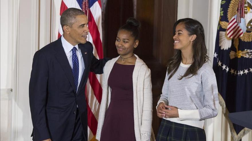 Obama y su familia comienzan sus vacaciones navideñas en Hawai