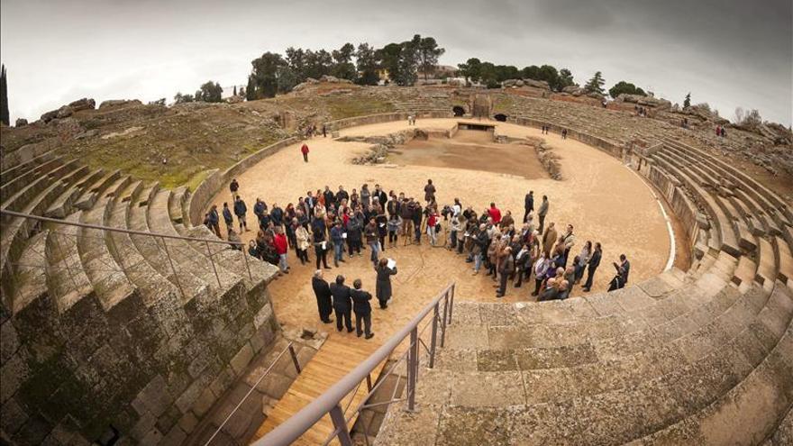 La Confederación de Vecinos rechaza la celebración del torneo de pádel en el anfiteatro de Mérida