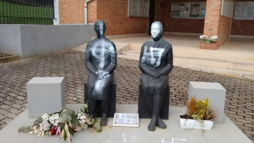 Monumento a las damas de negro.