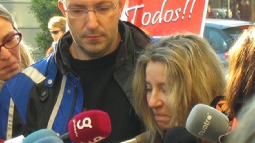 Eva Casanueva, Madre De Marta Del Castillo, Atiende A Los Medios