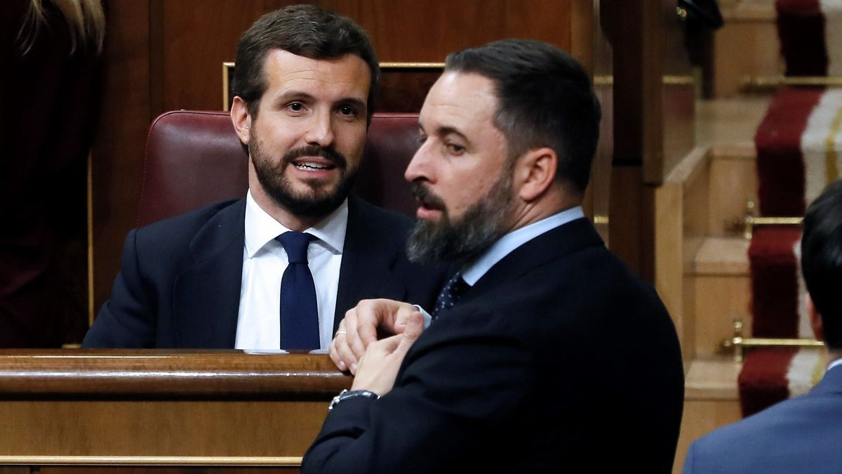 El presidente del Partido Popular, Pablo Casado, y el líder de Vox, Santiago Abascal.