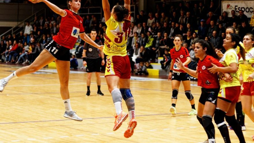 Rebeca López procede del Aunis Handball Francia.