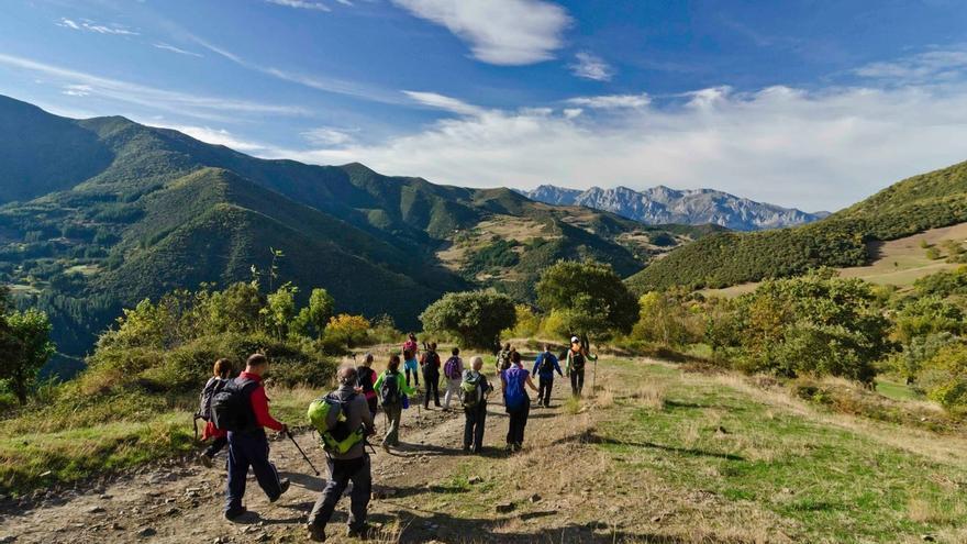 Cantabria se presenta en Navarra como destino deportivo y de naturaleza