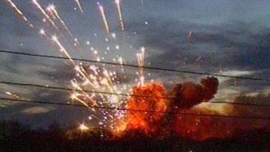 Hallados dos militares muertos entre los restos de la explosión del depósito de armas