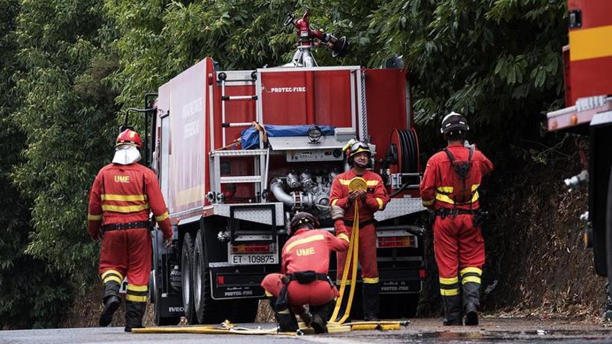 Las labores de extinción del incendio de Gran Canaria continúan sin novedades