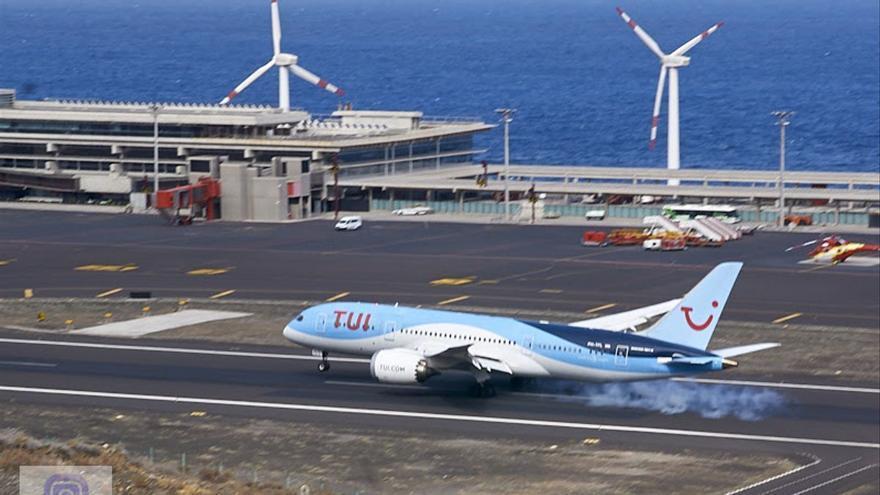 TUI traslada a Turismo de Canarias su confianza en la reactivación de los viajes desde este verano
