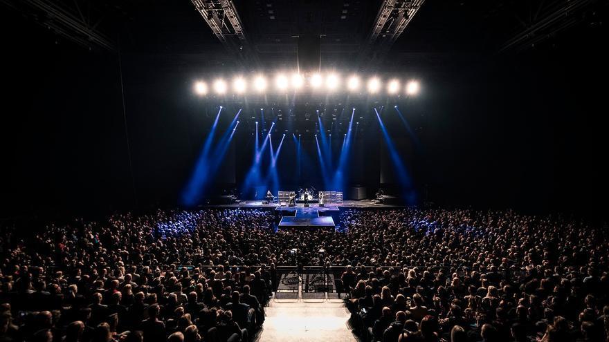 El concierto de TNT en el Oslo Spektrum Arena con Baol Bardot como nuevo vocalista