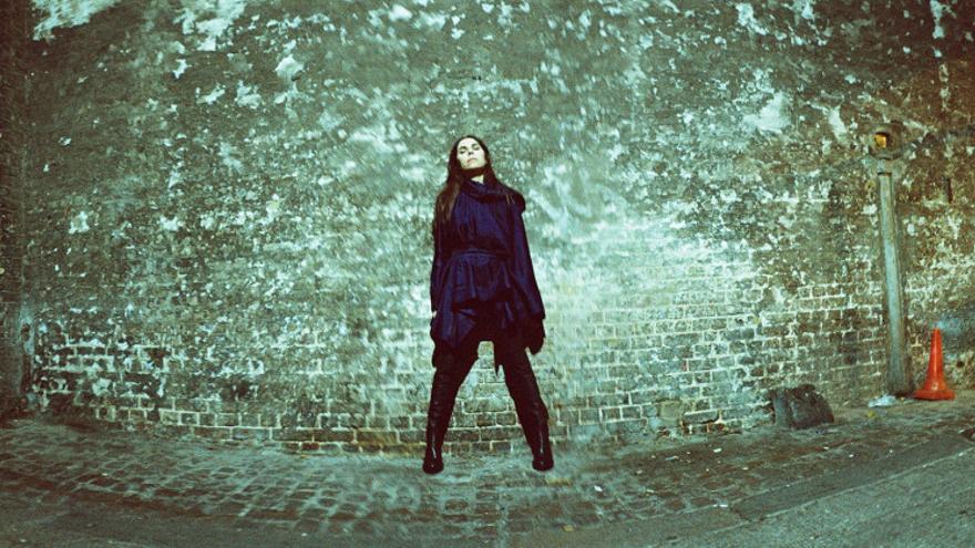 PJ Harvey retratada por Maria Mochnacz