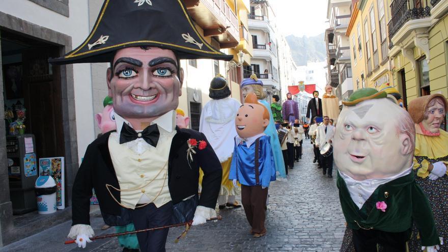 El 'Biscuit' y otros personajes de La Bajada.