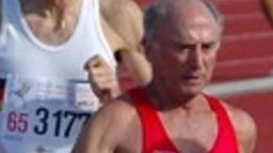Dolor en el atletismo canario por el adiós de Miguel Ángel Díaz Méndez