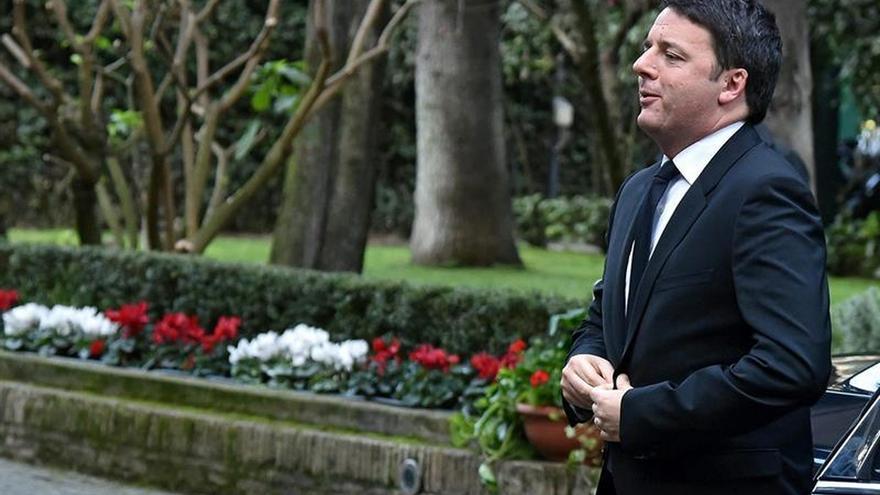 Renzi cede a la oposición y suprime la adopción en la ley sobre uniones homosexuales