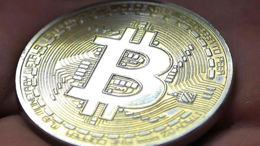 """El 80% de economistas de Wall Street cree que bitcóin es """"burbuja"""", dice CNBC"""