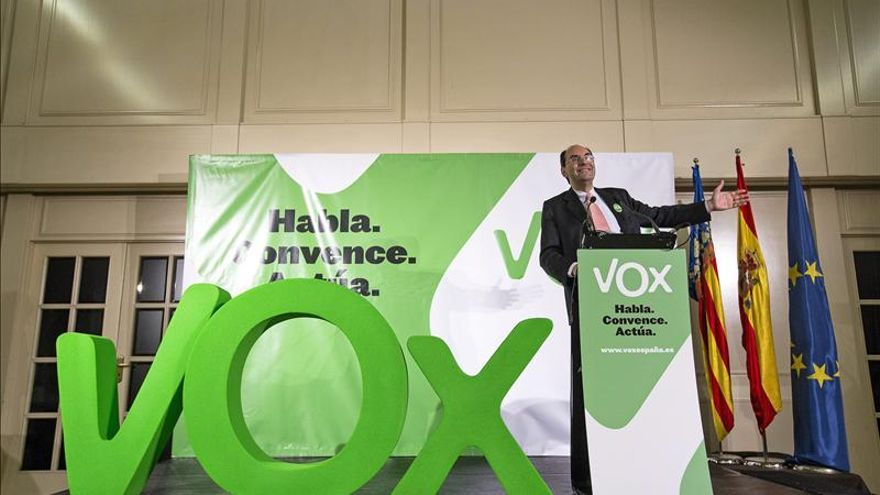 Vidal-Quadras asegura que estar flojos de remos ante la ofensiva separatista es de cobardes