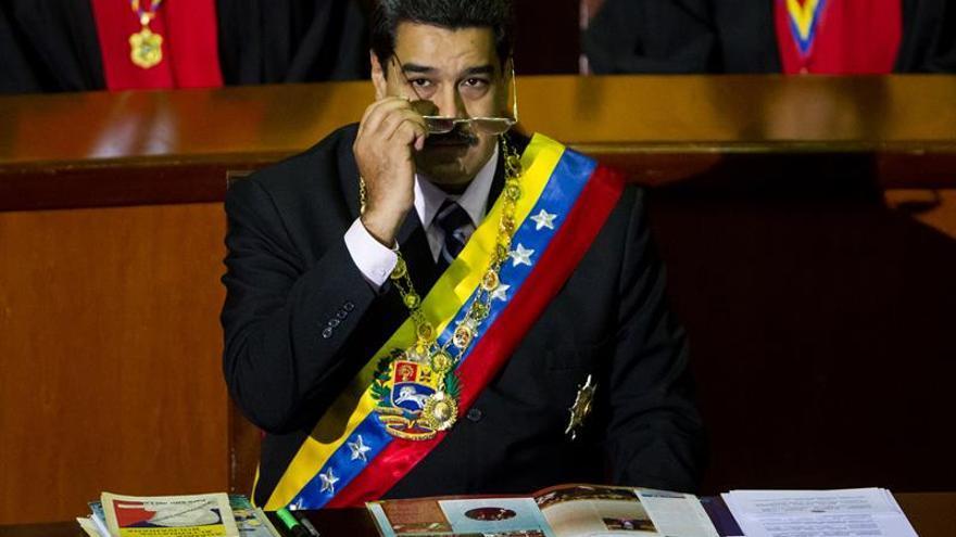 """Maduro destaca que el crudo venezolano subió cuatro dólares tras el """"histórico"""" acuerdo de la OPEP"""