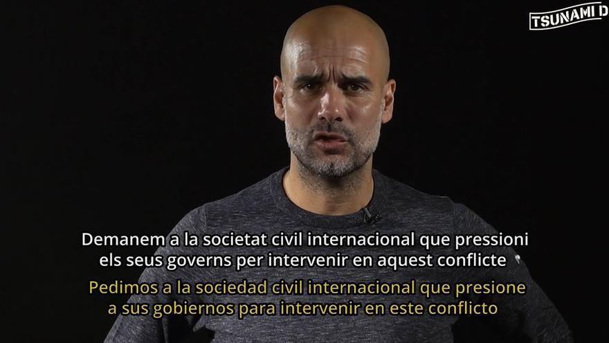 Guardiola lee un manifiesto del Tsunami Democràctic