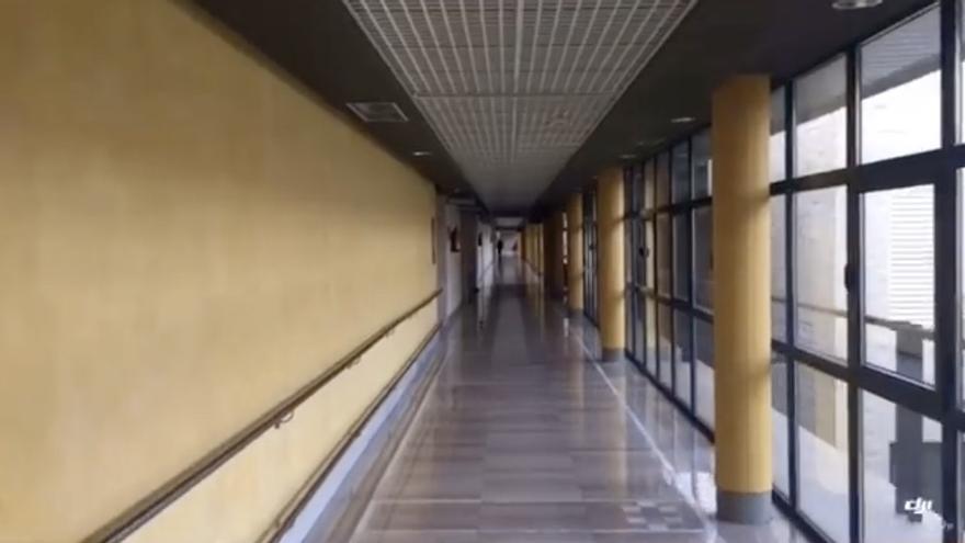 Imagen de un pasillo del Hospital General de La Palma.