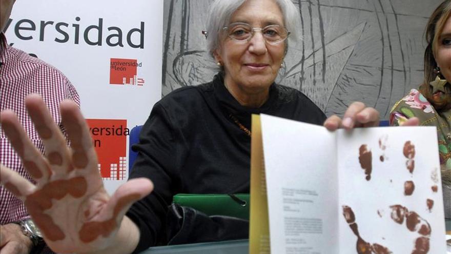 La poeta y traductora Clara Janés, elegida académica de la Lengua