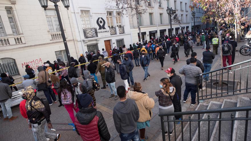 Ola de críticas contra el proyecto del Gobierno chileno para el retiro de pensiones