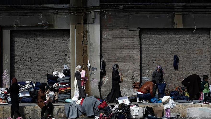 """Bruselas recuerda a los países sus """"obligaciones legales"""" con los solicitantes de asilo"""