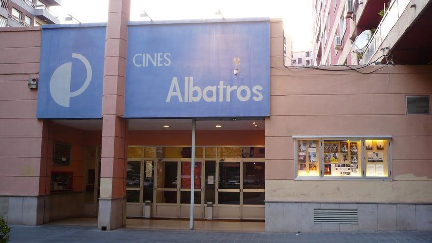 Fachada de los cines Albatros
