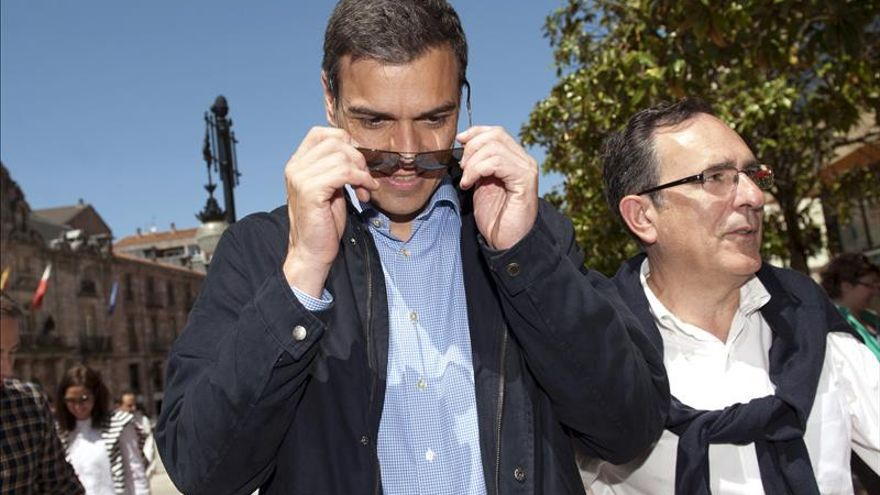 Rajoy vuela a Canarias, Sánchez descansa y Zapatero se estrena en campaña