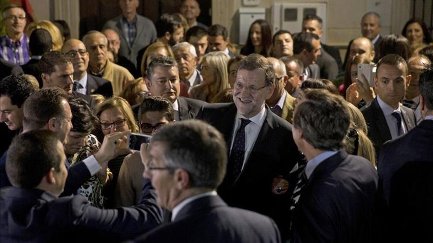 Rajoy y Sánchez librarán el lunes en Castilla y León su primera batalla electoral