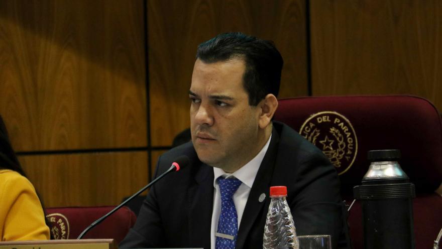 Fiscalía paraguaya acusa de lavado de dinero a senador del oficialismo