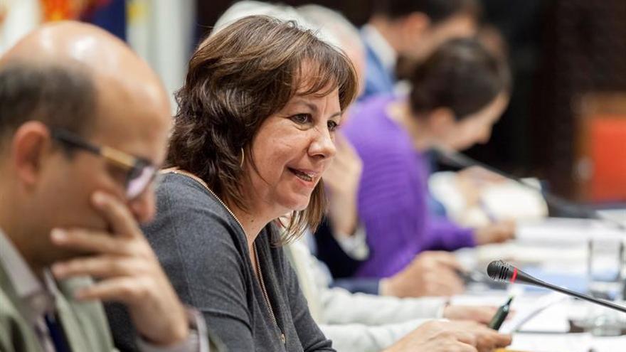 La consejera de Educación y Universidades, Soledad Monzón, en comisión parlamentaria de Educación y Universidades.