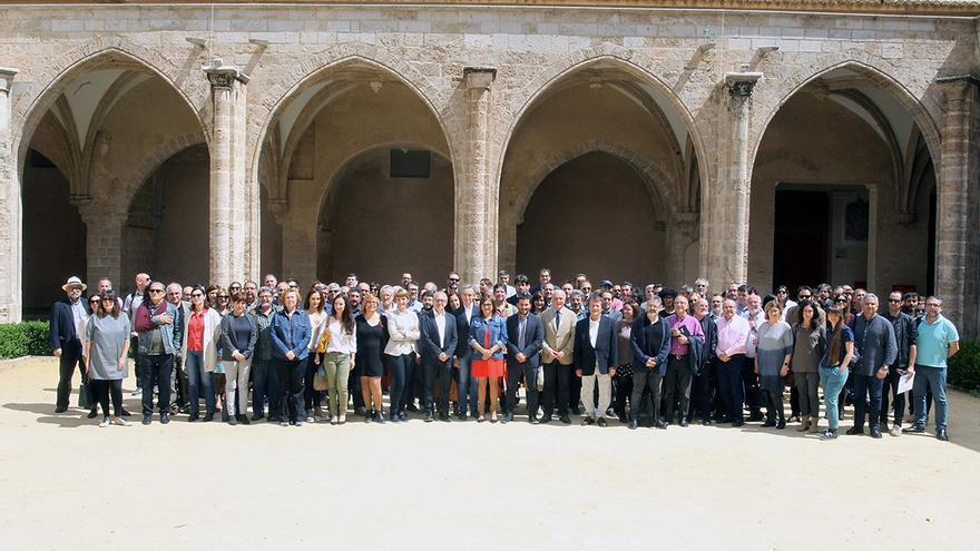 Vicent Marzà amb els representants en la Mesa de Participació de la Cultura Valenciana.