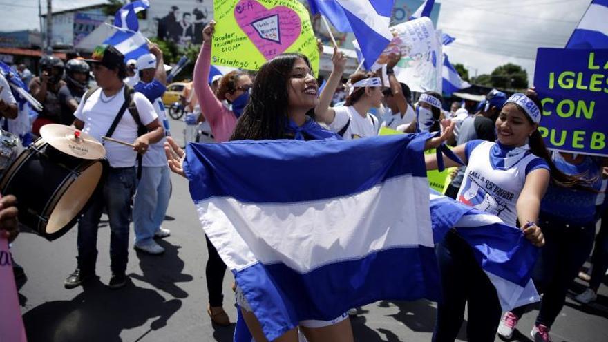 Miles de opositores exigen la dimisión de Ortega por violencia en Nicaragua