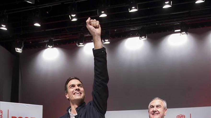 Pedro Sánchez: Mas y Rajoy esconden tras la confrontación sus recortes y desigualdad
