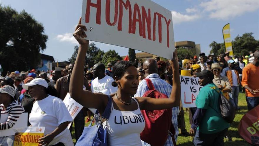 Arrestos masivos de inmigrantes como respuesta a la xenofobia en Sudáfrica