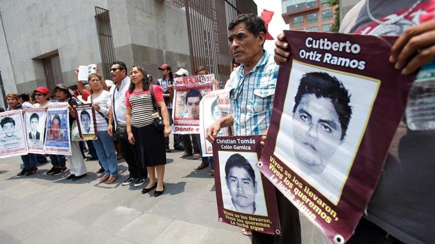 Gobierno mexicano y padres de 43 acuerdan objetivos de mecanismo de la CIDH