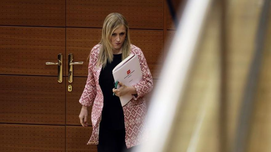 Cristina Cifuentes cierra filas con Rajoy y se descarta como candidata del PP