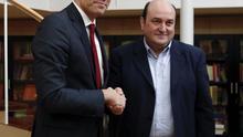 Los líderes de PSOE y PNV, Pedro Sánchez y Andoni Ortuzar, en una imagen de archivo
