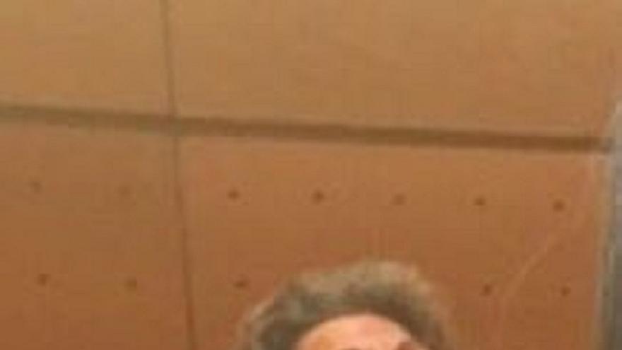 Una senadora de Podemos publica en Twitter una foto de Rita Barberá aparentemente dormida en su escaño