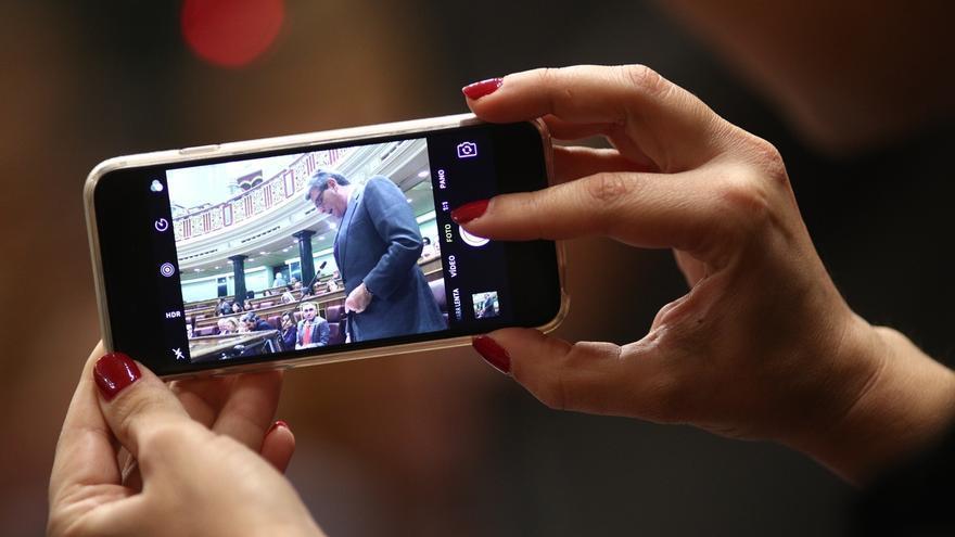 El Congreso recauda más de 110.000 euros con la venta de móviles y  tabletas a diputados de la pasada legislatura