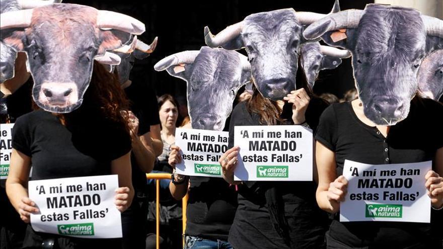Los vecinos de Aldaia (Valencia) votan en contra de los festejos taurinos en la localidad /EFE