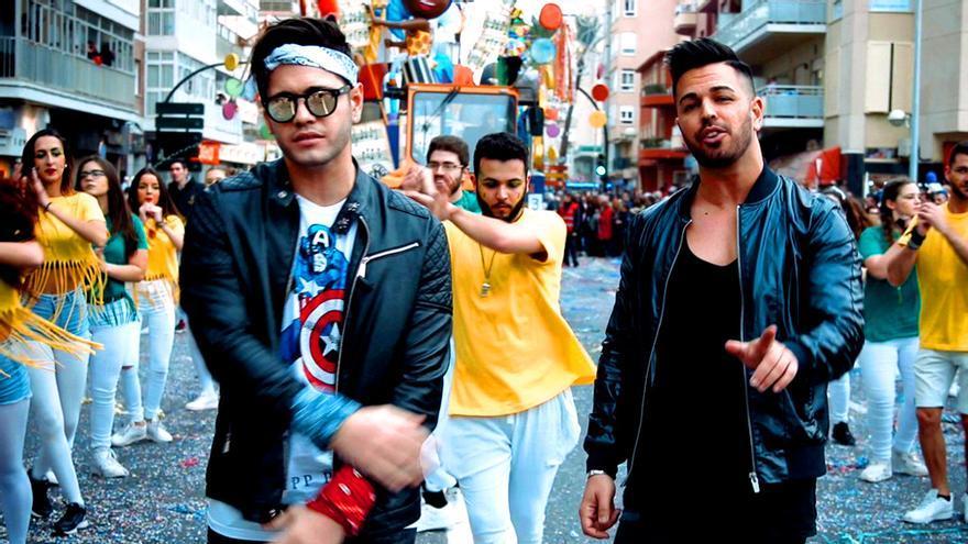 Un 'superviviente' y dos 'grandes hermanos', en el videoclip de un grupo musical