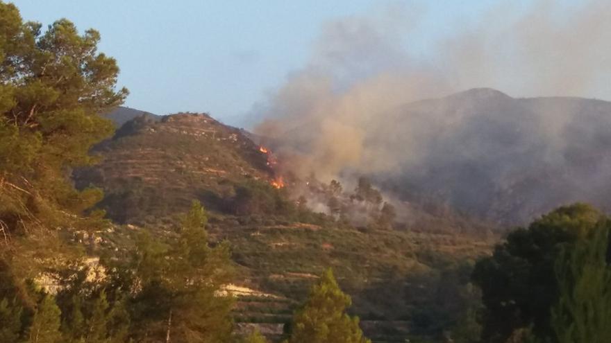 Imatge de l'incendi que s'ha produït a Terrateig