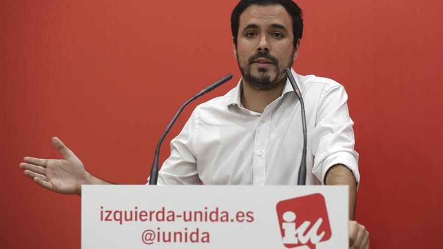 """IU critica la """"ambigüedad"""" del PSOE y pide la dimisión de Rajoy para crear una alternativa"""