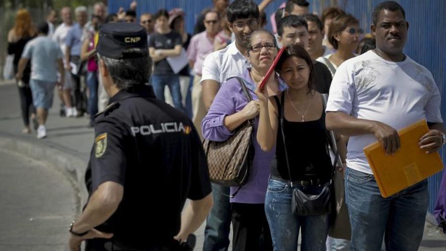 Los extranjeros que dejaron España pasan de 15.000 a más de 190.000 en un año
